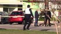 GÜNCELLEME - 3 Antalya'da Bir Bankada Silahlı Soygun Girişimi