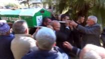 GÜNCELLEME - Antalya'da Otomobilin Köprünün Beton Blokuna Çarptığı Kazada Ölü Sayısı 4'E Çıktı