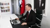 A MİLLİ FUTBOL TAKIMI - Süleyman Demirel Üniversitesi Rektörü Çarıkçı, AA'nın 'Yılın Fotoğrafları' Oylamasına Katıldı
