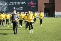 GEVREK - Yeni Malatyaspor Ankara'da Tur İçin Sahaya Çıkacak