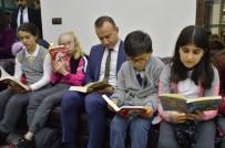 Ağrı'da Öğrenciler Öğrencibüs'te Kitap Okudu