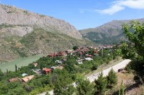 ALTIN MADENİ - Kemaliye Altın Madeni Arama Faaliyetlerine 'Hayır' Dedi