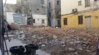 TARİHİ BİNA - (Özel) Beyoğlu'nda Tarihi Bina Tamamen Yıkıldı