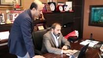 A MİLLİ FUTBOL TAKIMI - Sivasspor Başkanı Otyakmaz'ın Tercihi 'Millilerden Asker Selamı' Oldu