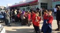 GIDA ZEHİRLENMESİ - Tokat'ta 41 Öğrenci Gıda Zehirlenmesi Şüphesiyle Hastaneye Kaldırıldı