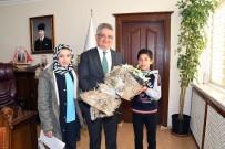 AYKUT PEKMEZ - Uluslararası Göçmenler Gününde Vali Aykut Pekmez'e Ziyaret