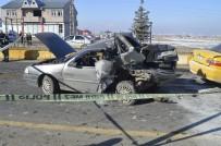 Ağrı'da Zincirleme Trafik Kazası Açıklaması 2 Kişi Yaralı