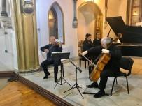 PIYANIST - Buca'daki Yeni Yıl Konserine Yoğun İlgi