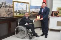 Dünya Engelliler Günü Öncesinde Başkan Beyoğlu'na Plaket