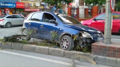 Kazayı Engellemek İsterken Kaza Yaptı