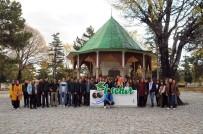AKŞEHİR BELEDİYESİ - Üniversiteli Öğrenciler Akşehir'i Gezdi