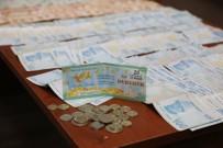 Dilencinin Üzerinden Çıkan Para Miktarı Şoke Etti