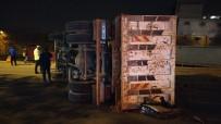 Freni Boşalan Kamyon Otomobili Ezdi Açıklaması 2 Yaralı