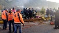 BELEDİYE ÇALIŞANI - Muğla'da Trafik Kazası Açıklaması 2 Ölü, 1 Yaralı