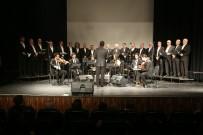 RUMELI - Türk Müziği Korosu Dinleyenleri Mest Etti