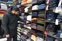 Yozgat'ta Kışlık Kıyafet Satışları Beklenen İlgiyi Görmedi