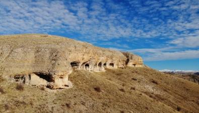 Binlerce Yıllık Doğal Oluşumlu Sarnıç Ve Mağaralar Dikkat Çekiyor