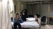 BIBER GAZı - Eğitimde Sıkılan Biber Gazı, Yurttaki Öğrencileri Hastanelik Etti