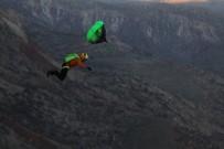 GALATA - Ekstrem Sporcular, Bin 300 Rakımlı Kaletül-Üstad Tepesinden Atladı