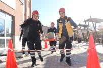 HAMİLE KADIN - Paramedik Öğrencileri Rallide Yarıştı