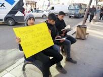 Kars'ta Liseli Öğrencilerden Okuma Kampanyası