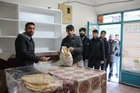 TANDıR EKMEĞI - Varto'da Tandır Ekmeğine Erkek Eli Değdi
