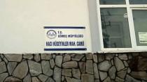 EDREMİT KÖRFEZİ - Balıkesir'de Yıldırım İsabet Eden Camide Hasar Oluştu