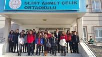 Burhaniye'de Liseli Gençler Ortaokul Öğrencilerine Sınav Desteği Verdi