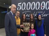 Ulaştırma ve Altyapı Bakanı - Cumhurbaşkanı Erdoğan 50 Milyonuncu Yolcuya Plaket Verdi