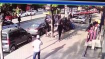 MURAT KAYA - GÜNCELLEME - Otomobilde Yanında Oturan Kadını Ağzından Bıçakladı