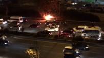 (Özel) Esenler'de Otomobil Yol Ortasında Alev Aldı