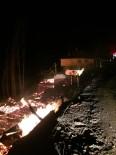 ORMANA - Cide'de Çıkan Yangında 3 Ev İle 1 Samanlık Kül Oldu