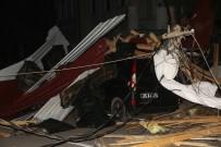 Elazığ'da Fırtına Direkleri Devirdi, Çatı Uçurdu