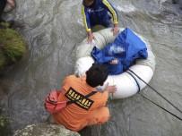 KURTARMA EKİBİ - Endonezya'da Otobüs Nehre Uçtu Açıklaması 25 Ölü