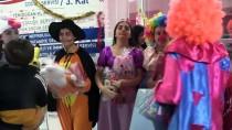 NENE HATUN - Lise Öğrencileri Yaptıkları Oyuncakları Çocuk Hastalara Armağan Etti