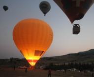 YAMAÇ PARAŞÜTÜ - 2019 Yılında Pamukkale'de 35 Bin Yamaç Paraşütü, 50 Bine Yakın Balon Uçuşu Yapıldı