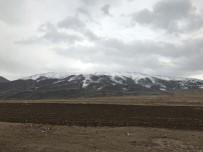 Ağrı Dağı Ve Eteklerine Kar Yağdı