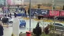 Çorum'da Otomobilin Çarptığı 2 Kişi Yaralandı