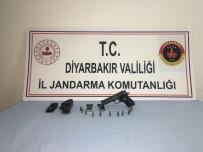 ARAZİ ANLAŞMAZLIĞI - Diyarbakır'da 20 Yıl Hapis Cezası Bulunan Cezaevi Firarisi Yakalandı