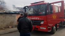 Erzincan'da Metruk Bina Yangını