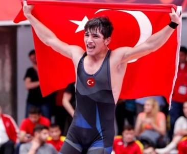 Kayseri Şekerspor Kulübü Güreş Şampiyonasında Takım Halinde Türkiye Üçüncüsü Oldu