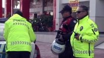 Antalya'da Jandarma Motosikletleri Çarpıştı Açıklaması 1 Yaralı