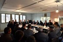 Atabey'deki Muhtarlar Toplantısında Tarım Yapılan Topraklara Sahip Çıkılması Vurgusu