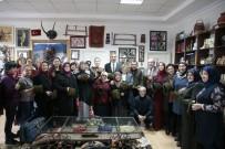 HÜDAVERDI OTAKLı - Denizlili Kadınlar Mehmetçiğe Boyunluk Ördü