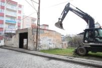 ZEYTINLIK - İlkadım'daki Metruk Binalar Yıkılıyor