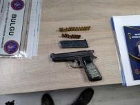 ARAZİ ANLAŞMAZLIĞI - Karapürçek'te İki Kişiyi Silahla Yaralayan Firari Yakalandı