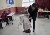 Köy Okuluna Anlamlı Yardım