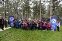 Mülteci Çocukların Hayvan Bakım Merkezini Ziyaret Etti