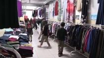 Öğrenciler İhtiyaç Sahiplerine Yardım İçin 'İyilik Çarşısı' Kurdu
