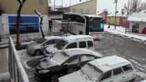 Ovacık'ta Kar Yağışı Etkili Oluyor